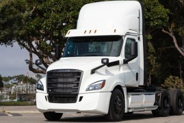 First electric Daimler trucks delivered