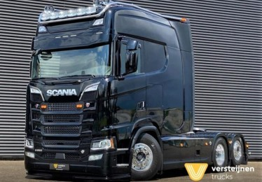 Scania with unique extended cab for France