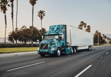 Volvo Trucks demonstrate electric heavy duty trucks